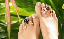 今年の夏はコレ!足指をオシャレに演出してくれる「トゥーリング」の新作がかわいすぎる♡
