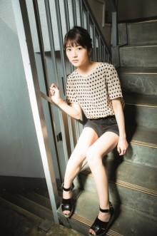 乃木坂46・若月佑美、凛々しさと人懐っこさのギャップを披露