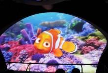 TDS、『ニモ』の新アトラクション初公開 魚サイズになって海底探索