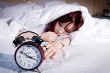 「そのまま寝ちゃった…」夜洗顔を忘れたときの対処法!