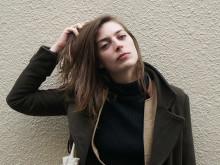 「シャンゼリゼには、ほとんど行かない(笑)」25歳フランス人シンガーのリアル