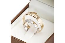 いつも一緒にいたいから♡愛するパートナーの指紋を刻んだリングがロマンティック