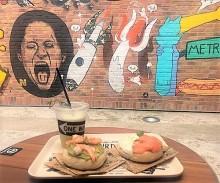王様のブランチでも紹介!インスタ映えする「壁」がかわいい、原宿の「AWESOME STORE & CAFE」