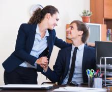 上司がカッコよく見える!職場恋愛に陥りやすい3つの心理状態