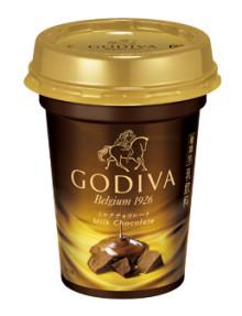 ゴディバのドリンクがコンビニ限定で発売!チルドカップで手軽に本格ミルクチョコレートが飲めちゃう♡