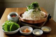 テレビで人気の巨匠が手がける韓国料理店が丸の内にオープン