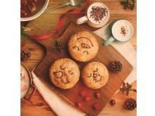 サンタや雪だるまの顔が描かれた可愛い総菜&スイーツパイ!