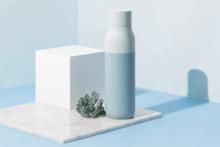 """たった1分で水とボトルを除菌。いつでもクリーンな飲み水が手に入る""""セルフクリーン""""する水筒が秀逸"""