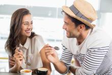 男子としゃべるのが苦手な女子必読! 気になる男子と距離を縮める会話4選