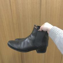 雪道でもお気に入りの靴が履きたい♡靴底に貼るだけで簡単に滑り止めできる対策法をレクチャー