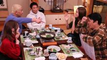 滝沢カレン、塚田僚一がロケ「本音でハシゴ酒」のお店紹介in大森