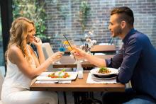 確実に落としたい相手は「ごはん行きましょ」が効く!食事デートのメリット4つ