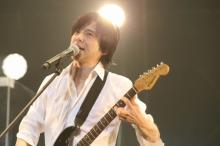 エレカシ30周年 宮本男泣きの熱唱「どんどん元気になる」