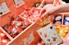 TDLチョコレートクランチ専門店、選べるフレーバー&缶で自分好みに<体験してきた>