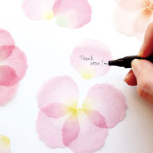 まるで本物みたい♡花びらや葉をモチーフにした「ふせん」がヴィレヴァンオンラインで販売スタート