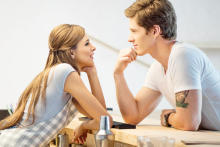 男性が感じる、「俺恋愛対象外かー脈ナシかあ…」と思った瞬間4つ