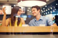 話しが楽しいって最高!男性が思う「話上手な女性の特徴」5つ