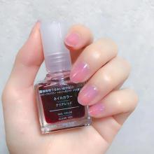 無印良品のネイルカラー「クリアレッド」がかわいい♡夏にぴったりなクリアネイルがこれひとつで完成!