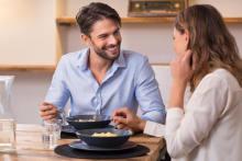 男性は密かに引いている!食事シーン女子のNG行動4つ