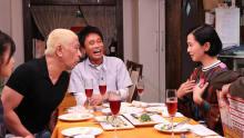 坂井真紀、吉川ひなのらがロケ「本音でハシゴ酒」のお店紹介in四谷