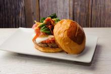 "LA生まれのハンバーガーレストラン「ウマミバーガー」♡日本2号店が""みなとみらい""にこの秋登場"
