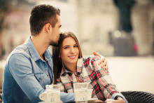 男性が本命女性にしかしない特別扱い3選