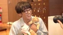 高橋一生、猫カフェを満喫 渡辺直美もメロメロ「緊張しちゃった」