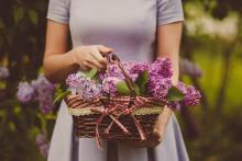 「母性を感じる女性」の特徴5選|男心をくすぐる瞬間とは?