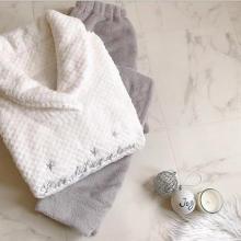 GUの冬パジャマがかわいい!つい触りたくなるふわもこアイテムは、クリスマスのお家デートにもぴったり♡
