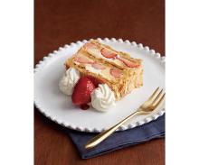"""来年1月キハチ 青山本店に赤と白の「ナポレオンパイ」がお目見え!希少な""""白い苺""""を使ったナポレオンパイは初登場"""