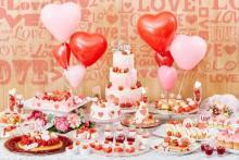 バレンタインにもおすすめ♡青山セントグレース大聖堂の「恋するいちごブッフェ」にLOVEなスイーツが大集合♩