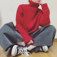 着回し抜群!GUの赤色「ローゲージタートルネックセーター」でつくる7Daysコーデ集