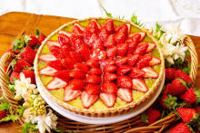 ショーケースが真っ赤に染まる1週間♡キルフェボンでイチゴづくしの「Strawberry Dictionary」が開催