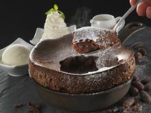 冬に楽しむ!焼きたてふわふわ温かいチョコスフレケーキ発売