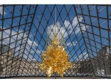 銀座で名和晃平「Throne -Louvre Pyramid-」展を開催