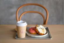 体験型のドーナツファクトリー「koe donuts」で出来立てドーナツが食べたい♡1号店は3月京都にオープン