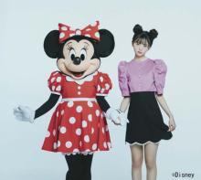 齋藤飛鳥『sweet』初カバー飾る ミニーマウスとの超レア2ショット実現