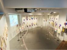 台湾の著名人がアートワークを施したトート作品の展覧会