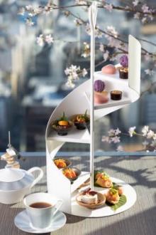 お花見気分で楽しめるプチ贅沢なティータイム♩コンラッド大阪に2種類の「桜アフタヌーンティー」が登場♡
