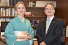 ナタリー・エモンズが文化庁表敬訪問 『じょんのび日本遺産』がテレビ初タイアップ