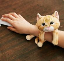 パソコン作業をやさしくサポート♡じゃれつく子猫に癒されるアームレストがフェリシモに登場♩