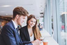 男性が職場で好印象を感じる女性の行動3選