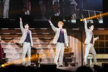 """稲垣・草なぎ・香取""""新しい地図""""初のファンミ22公演で12万人と交流「また歌わせて」"""