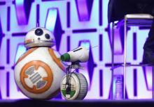 BB-8の友達が初登場 『スター・ウォーズ』最新情報にファン熱狂