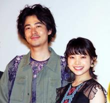 """成田凌、キスシーン撮り直しに苦笑い「""""成田のキスがうまくない""""みたいになっている」"""