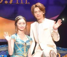 中村倫也&木下晴香、『アラジン』の名曲を生歌唱 緊張の舞台裏明かす「出ていくだけでも帰りたい」