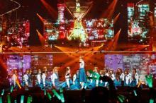 欅坂46、初武道館で全体曲ノンストップライブ「新しい道を切り拓く」
