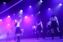 山口真帆ら卒業公演にメンバー5人がサプライズ出演 欅坂46「黒い羊」披露にどよめき