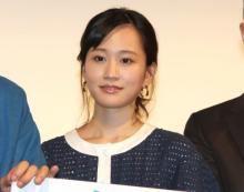 """前田敦子、ウズベキスタンで""""おじさま""""から求婚「結婚してほしい…と」 加瀬亮ら共演者助けず"""