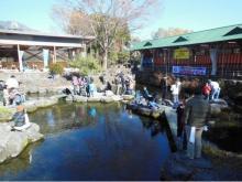 富士山麓で自然体験!手ぶらでOKな親子マス釣りイベント